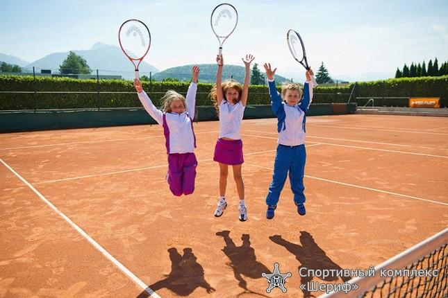 Набор детей в теннисный клуб